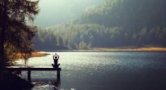 Que tal encontrar o seu eu interior e ainda rejuvenescer seu cérebro através da meditação?