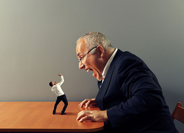 Pessoas que acham superiores demonstram falta de inteligência emocional.