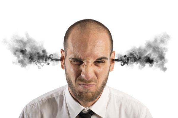 Mudar de humor radicalmente no mesmo dia pode indicar falta de inteligência emocional.